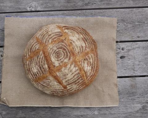 Lievito madre come farlo e usarlo per un pane semplice