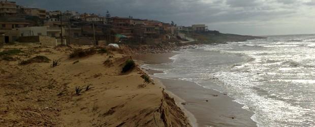 governance-adattativa-erosione-spiaggia-bruca