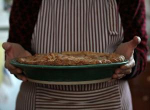 Torta salata con mele e patate