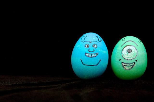 ingredienti naturali per colorare le uova