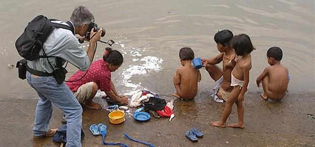 Slum tourism River kids
