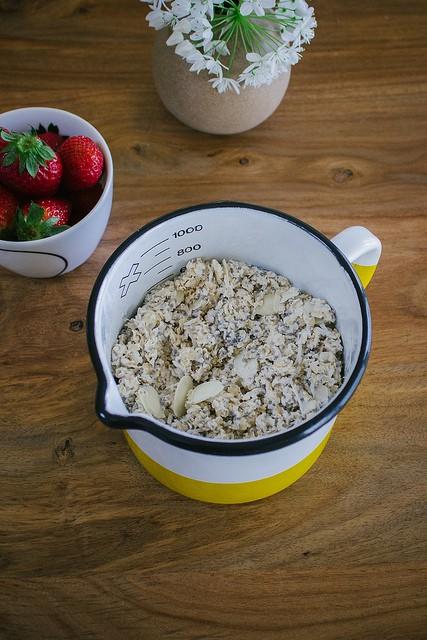 come preparare la colazione con il Bircher Muesli