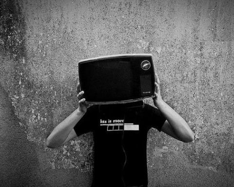 Serie TV storia e dipendenza