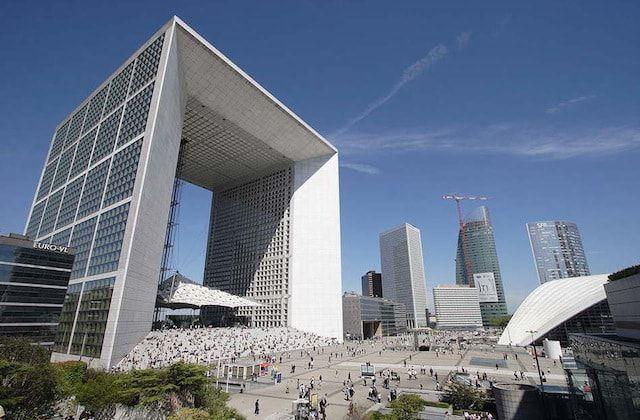 Viaggio nella parigi contemporanea architettura e arte for Architettura a parigi