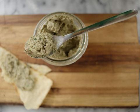 Ricette vegan: crema di anacardi e semi girasole