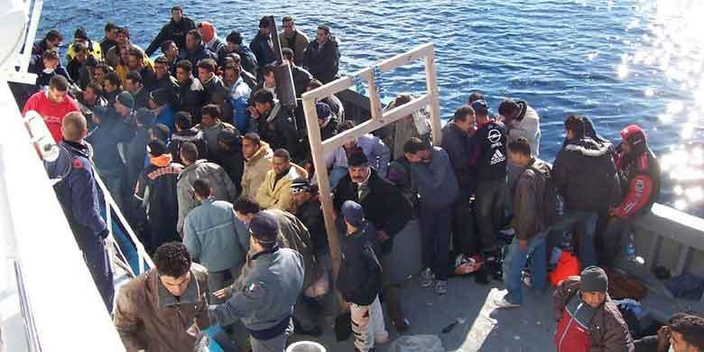 Respingimenti e deportazione dei migranti: chi ci guadagna?
