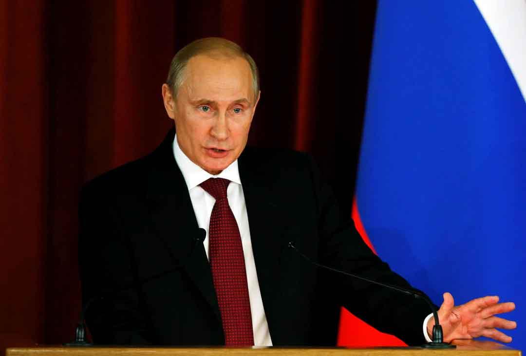 Vladimir Putin, lo zar che fa sognare le destre europee