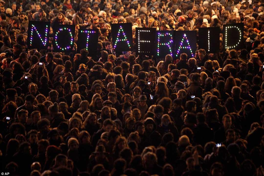 Come rispondere alla strage di Parigi