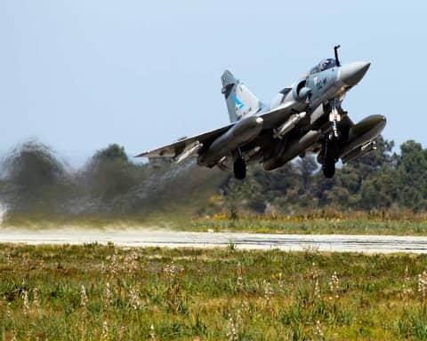 la guerra francese in Libia: dalla caduta di Gheddafi all'avanzata dell'Isis, la Libia nel caos del dopo-rivoluzione