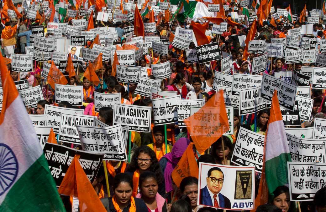 Cosa succede nell'India di Modi: nazionalismo, repressione, violenza