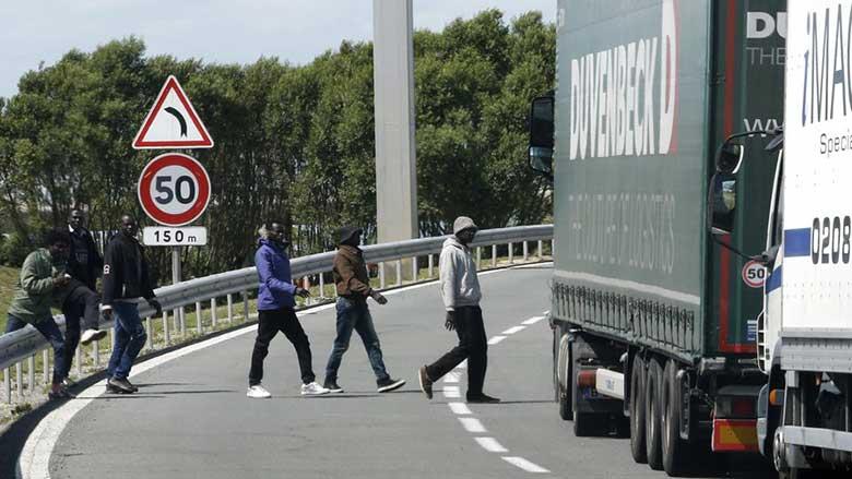 Nella giungla di Calais, dove muoiono i diritti umani