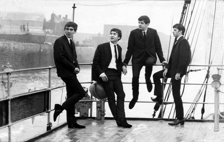 I Beatles al porto di Liverpool