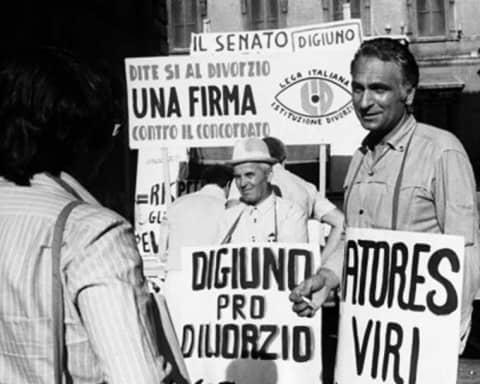 Un ricordo di Marco Pannella, morto a 86 anni dopo una vita spesa nel Partito Radicale