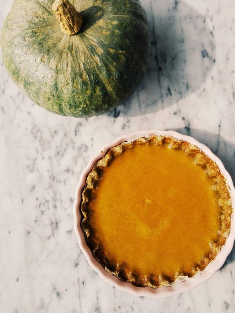 pumpkin pie con grano saraceno e latte di cocco