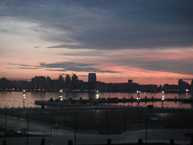 Baku tramonto Mar Caspio