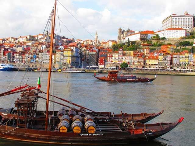 perché visitare Porto quartiere Ribeira