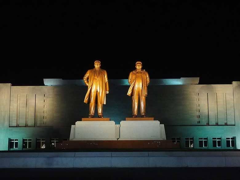 La dinastia Kim, che governa la Corea del Nord con il pugno di ferro dalla fine della Seconda Guerra Mondiale ad oggi