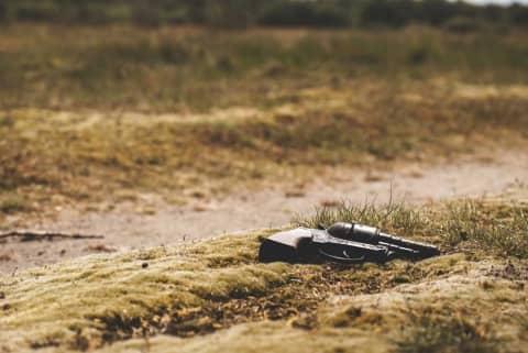 Pistola a terra