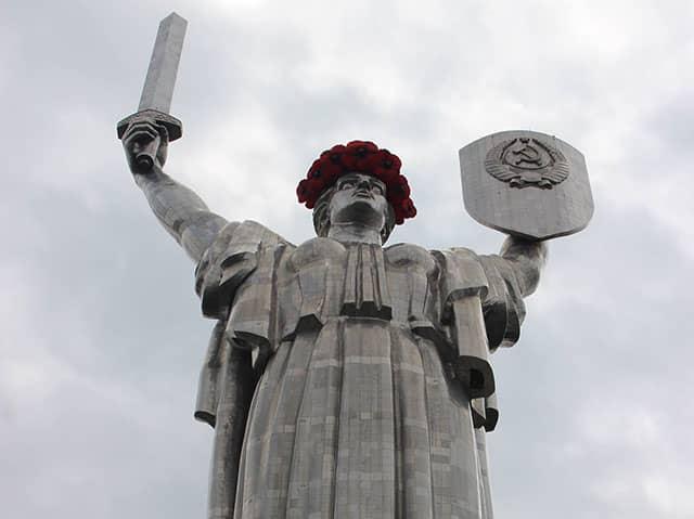 Viaggio a Kiev statua della Madre Patria