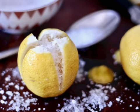 limoni sotto sale o limoni confit