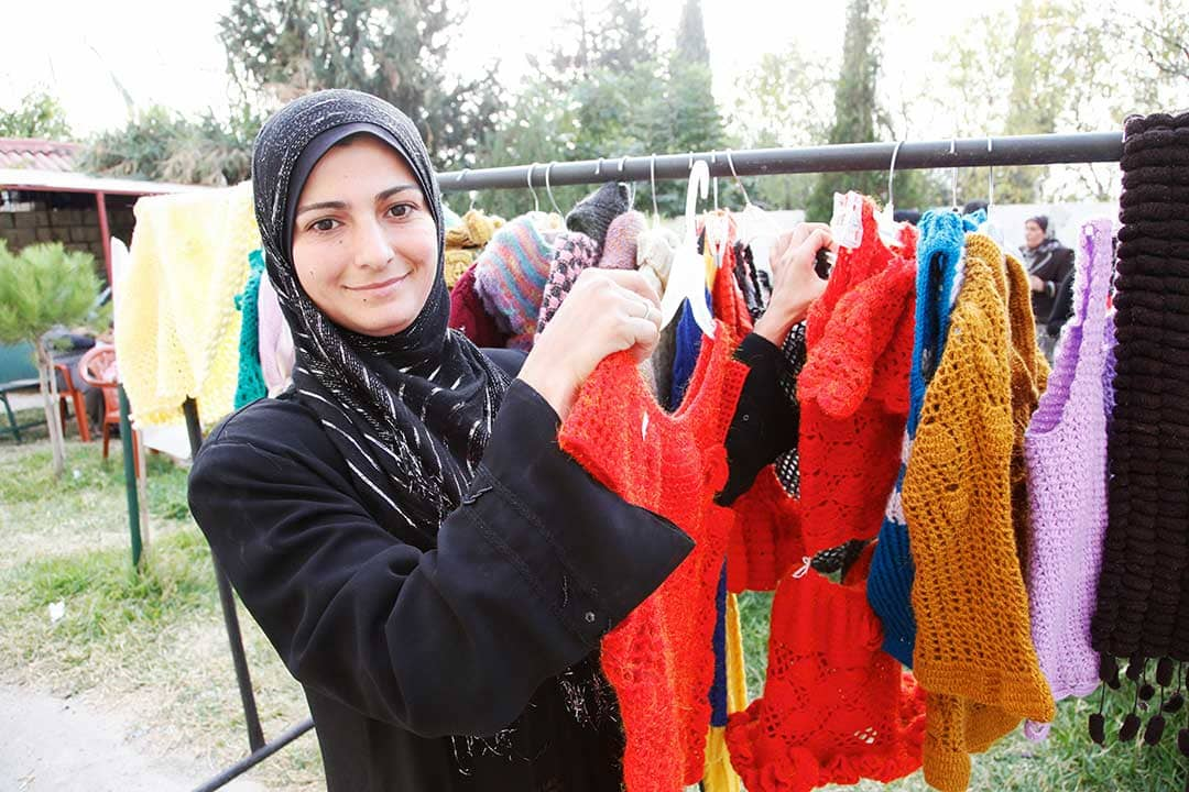 donna siriana rifugiata in campo profughi libanese