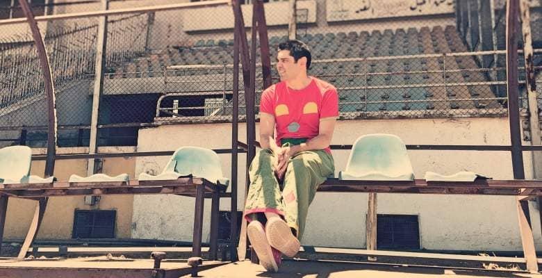 Pimpa clown in uno stadio distrutto dalla guerra