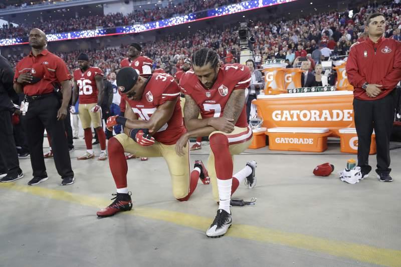 kaepernick kneeling